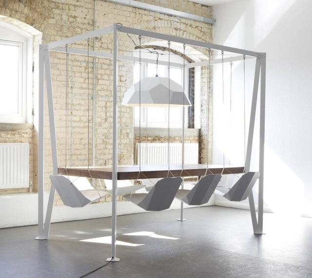 Swing Table von Christopher Duffy