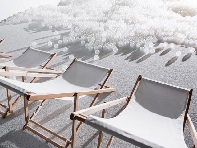 The Beach von Snarkitecture: Ein Meer aus weißen Kugeln im Museum